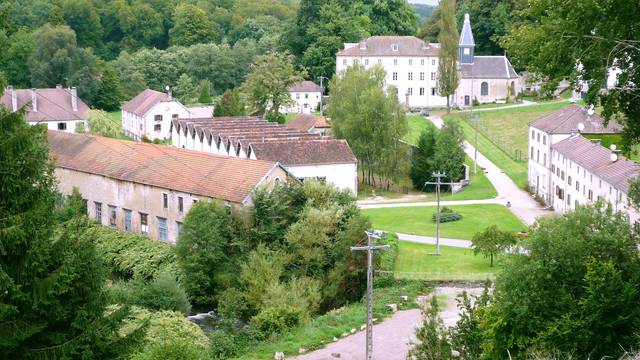 Discover Bains-les-Bains and its surroundings