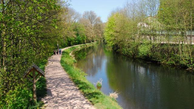 The Canal des Vosges'  cycle route « La voie bleue»