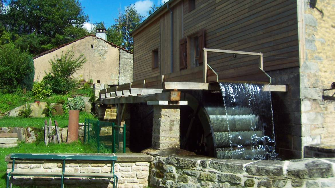 Day 1 - 2.30 p.m. - Guided tour of the mill - Moulin Gentrey