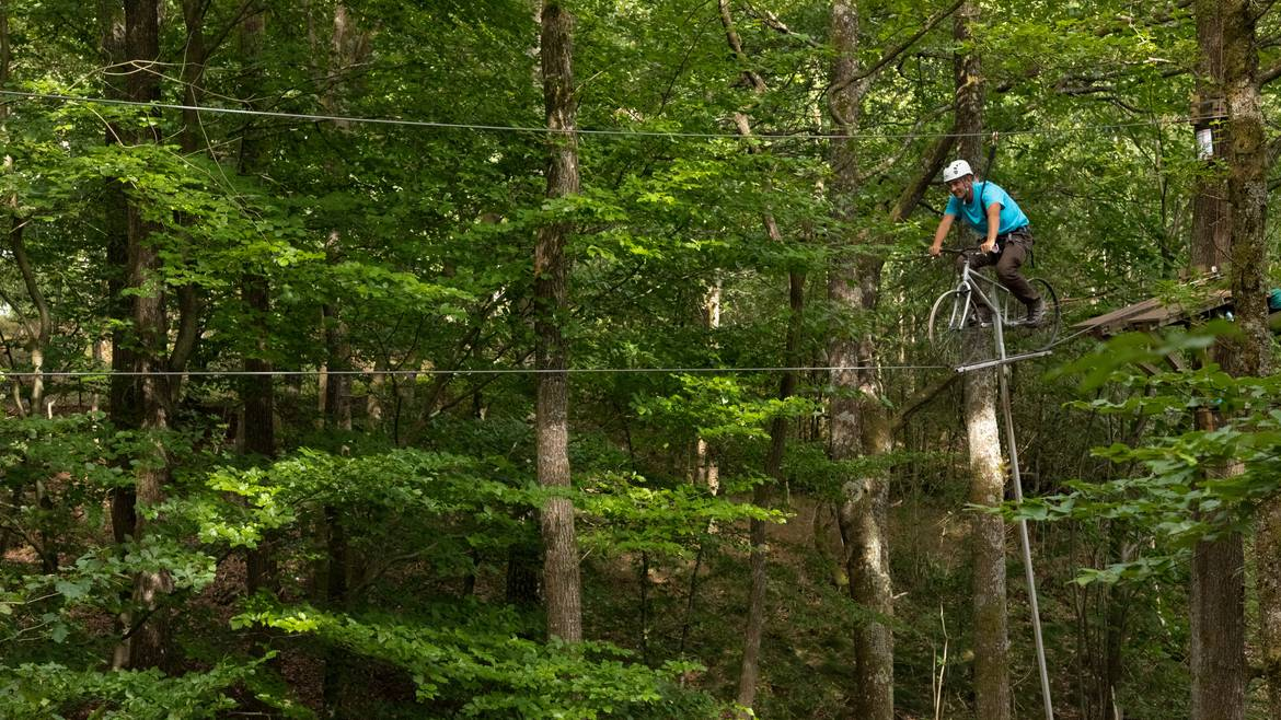 Come and be adventurous at the rope adventure park in an old quarry.