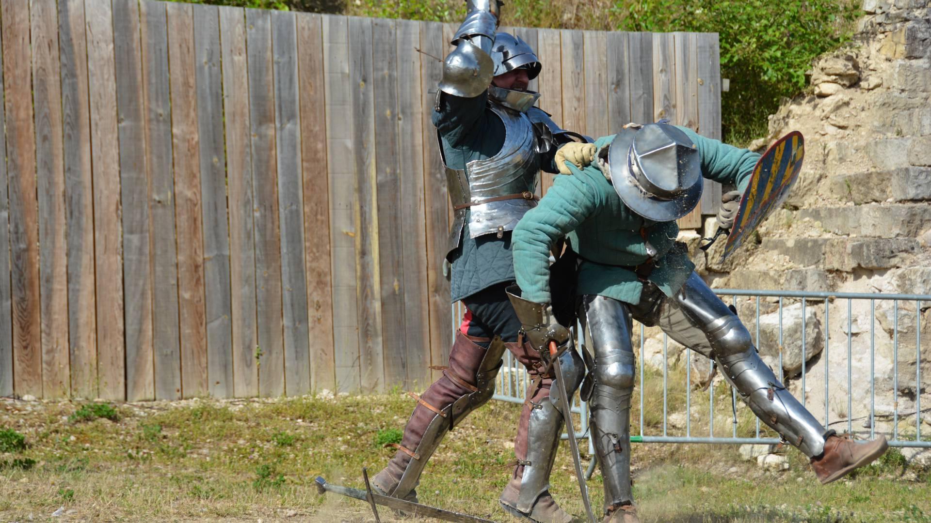 les-médiévales-combat